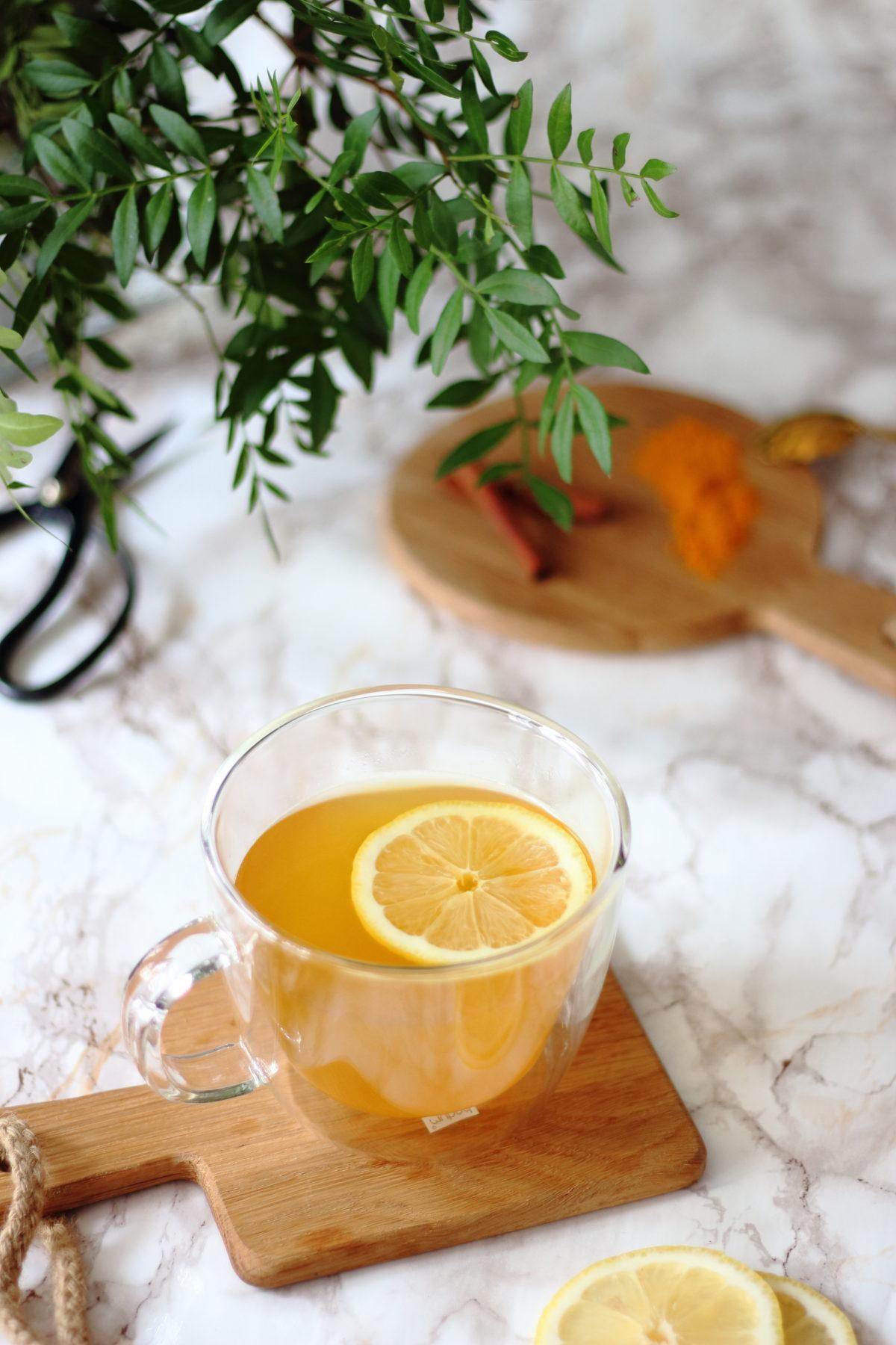 Infusion detox au gingembre, curcuma et cannelle