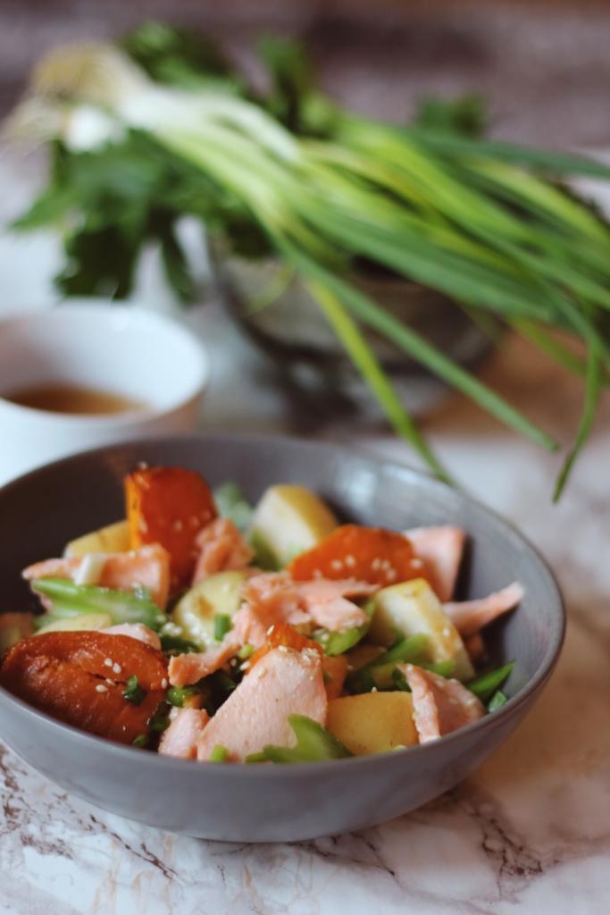 Salade de saumon rôti, nashi et patates douces