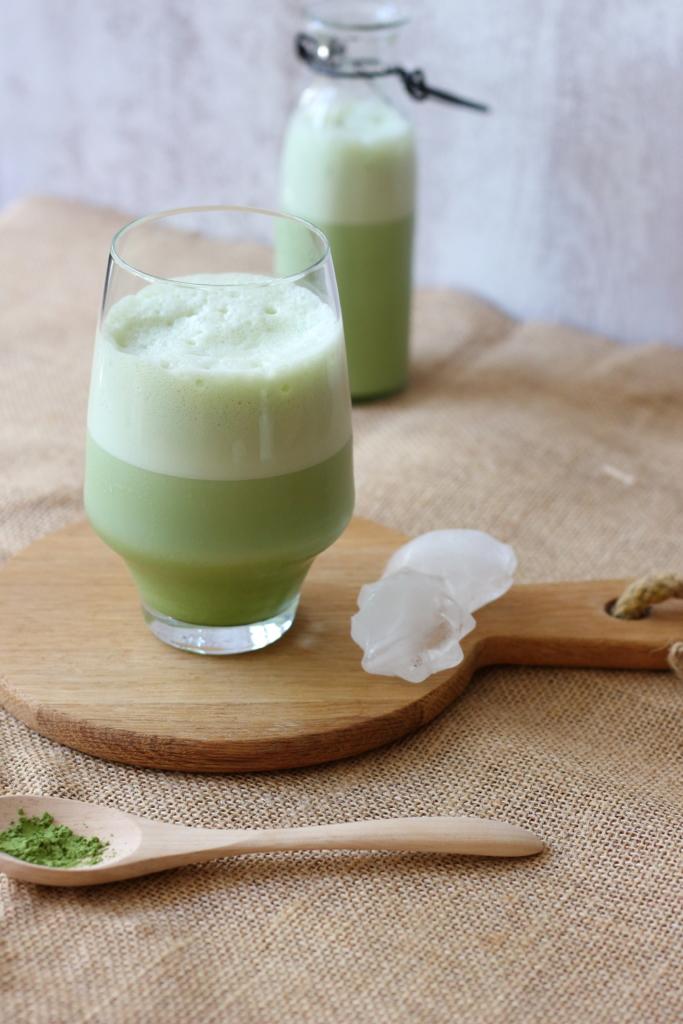 Matcha latte glacé